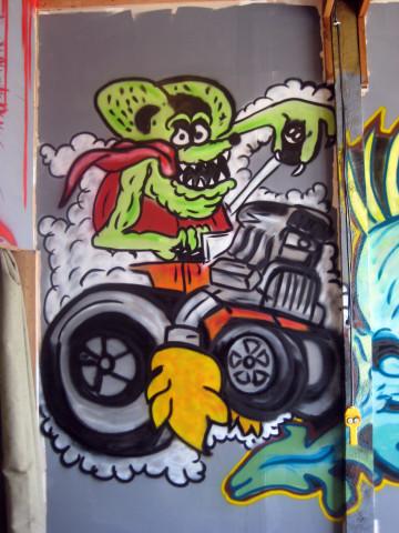 spraypaint,art,urbanart,urban,ratfink,enamel